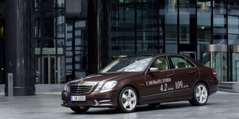 Mercedes-Benz E 300, E 400 hybrids headed to Detroit show