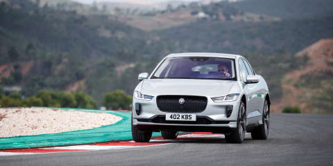Jaguar I-Pace vs Tesla Model X drag race - video