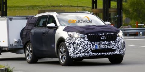 2015 Kia Sorento spied prior to Paris motor show debut