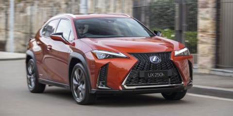 Lexus UX: Apple CarPlay, Android Auto coming in Q4