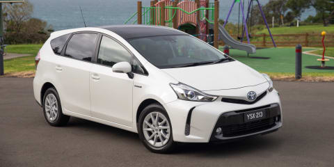 2015 Toyota Prius V pricing and specifications