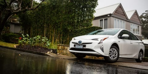 2015-16 Toyota Prius recalled for parking brake fix:: 300 vehicles affected