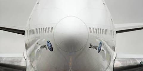 VW Touareg V10 TDI Tows a 747
