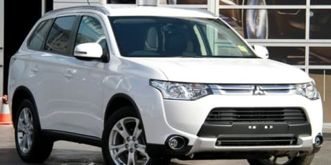 2014 Mitsubishi Outlander LS (4x2) Review