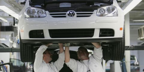 Volkswagen plans to put more pressure on GM, Toyota in 2010