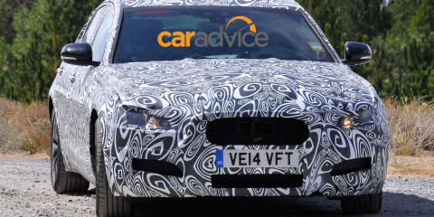 Jaguar XF : Second-gen large car spied wearing production body panels