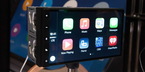 Parrot RNB6 audio system runs Android Lollipop, supports CarPlay and Android Auto