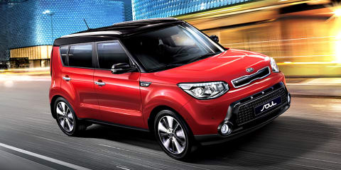 2016 Kia Soul :: Manual dropped, price up $500, two-tone paint now standard