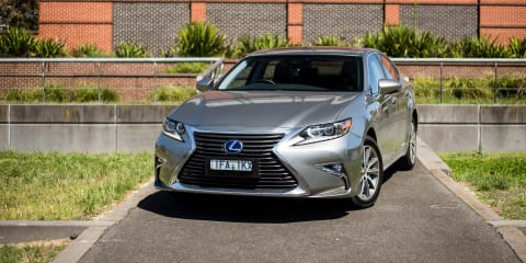 2016 Lexus ES300h Review