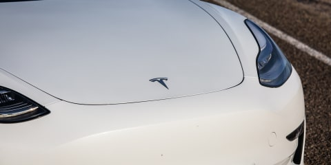 Tesla adds factory Model 3 tow hitch option in Europe