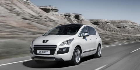 2011 Peugeot 3008 HYbrid4 world's first diesel hybrid