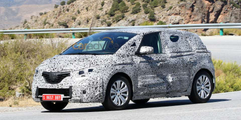 2016 Renault Scenic spy photos