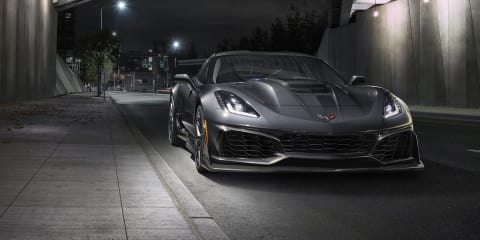 Chevrolet Corvette ZR1 drags Dodge Demon - video