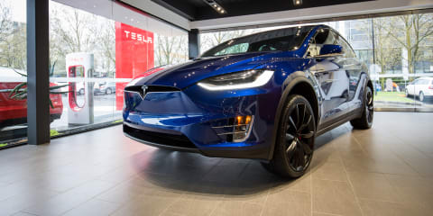 2017 Tesla Model X Walkaround Preview - video