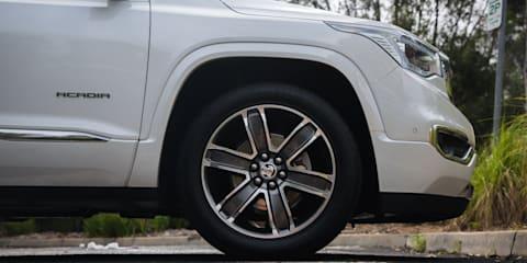 2019 Holden Acadia v Hyundai Santa Fe comparison