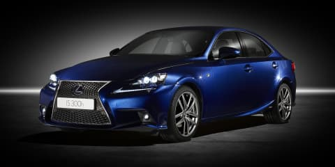 Lexus IS300h: 4.9L/100km, 164kW hybrid