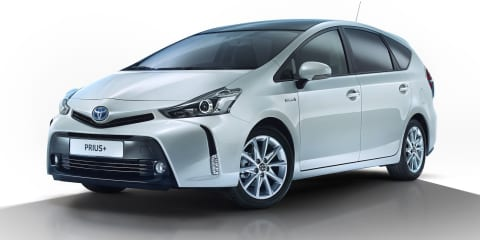2015 Toyota Prius V facelift revealed