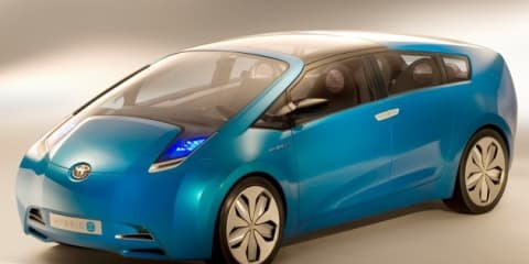 Toyota Prius hybrid minivan to go on sale from 2011 - report