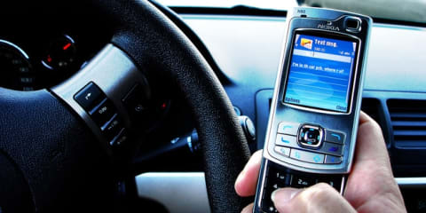 Adults use phones while driving more than teens: report