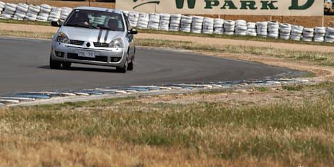 2001 Renault Clio Sport Review