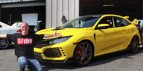 Honda Civic Type R gets Phoenix Yellow paint job - video