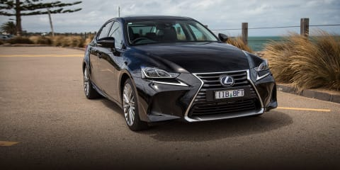 2017 Lexus IS300h Sport Luxury review