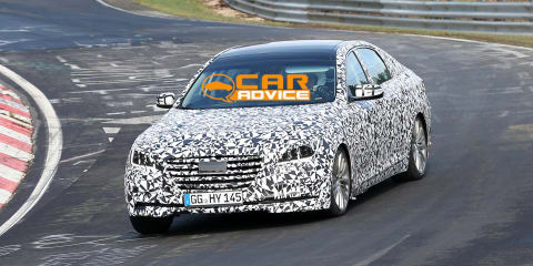 Hyundai Genesis: interior revealed in new spy shots