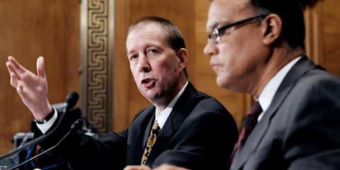US government begins divesting GM shares