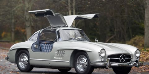 1955 Mercedes-Benz 300SL Gullwing sells for record $4.62 million