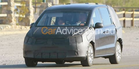 2011 Volkswagen Sharan spy photos