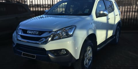 2015 Isuzu MU-X Review
