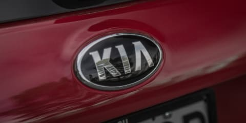 Hyundai i30 SR v Kia Cerato Si Comparison