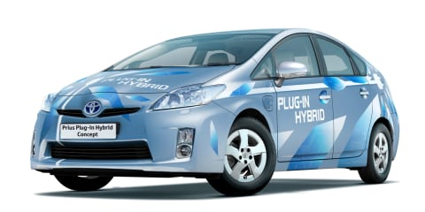 Toyota plug-in by 2011, new hybrid at NAIAS