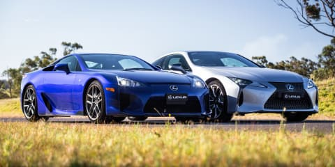 Lexus LC500 v LFA drag race - video
