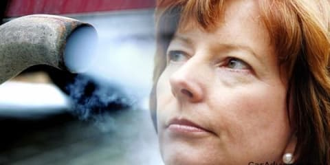 Gillard government jeopardises Australian car industry