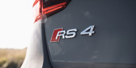 Audi RS4 generations face-off - video