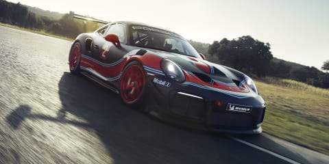 Porsche 911 GT2 RS Clubsport: Track-only special revealed