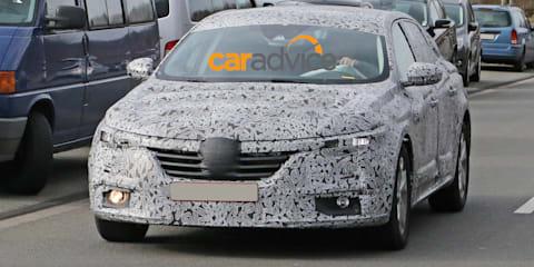 Renault medium sedan spied : Laguna, Latitude replacement testing in Europe