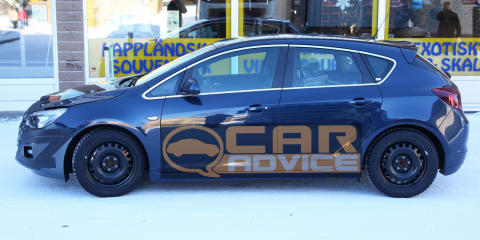 Opel Astra GSi twin turbo-diesel spy photos