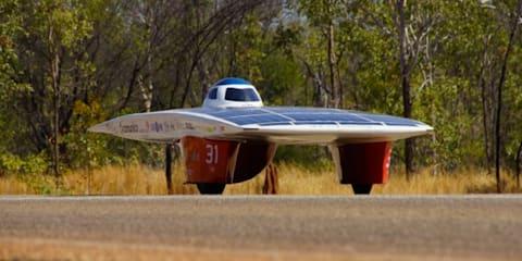 2013 World Solar Challenge leaders cross South Australian border