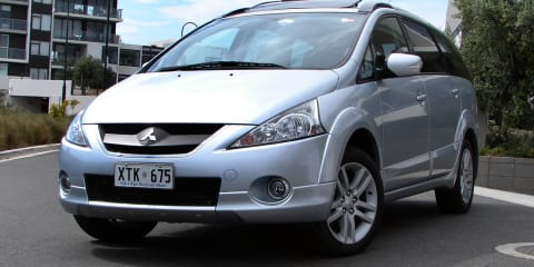 Mitsubishi Grandis Review & Road Test
