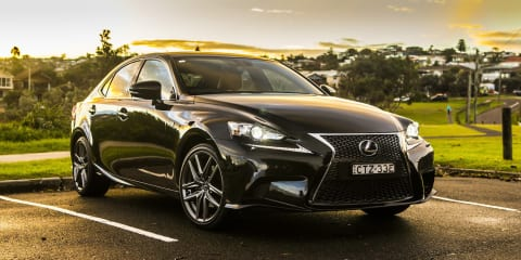 2015 Lexus IS Review : IS300h