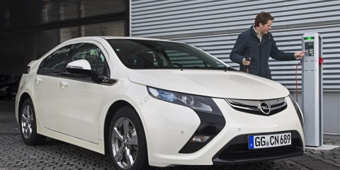 Opel Ampera plug-in hybrid to drive to Geneva Motor Show