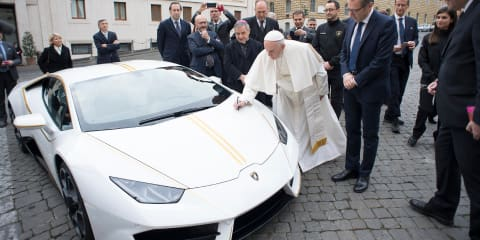 Pope's Lamborghini sells for $1.1 million