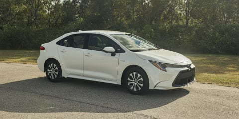 2020 Toyota Corolla sedan pricing and specs