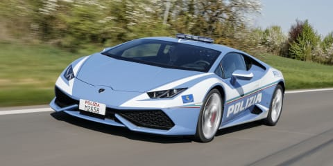 Lamborghini police car saves lives at more than 200km/h