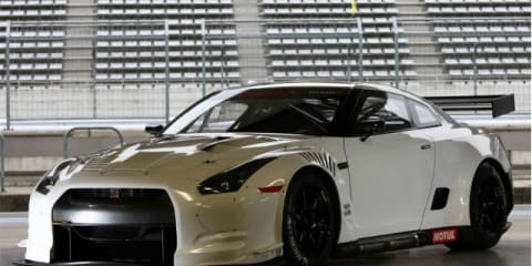 Nissan Releases Images For FIA-GT1 GT-R Race Car