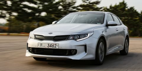 2016 Kia Optima Hybrid revealed, plug-in hybrid detailed