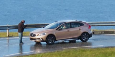 Volvo XC40: first look at V40-based compact SUV