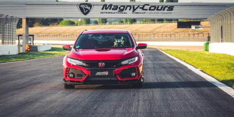Honda Civic Type R record run starts in France - Video